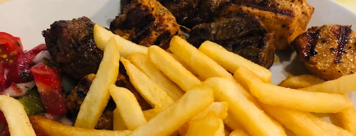Oz Sofra Kebab is one of Orte, die Murat gefallen.