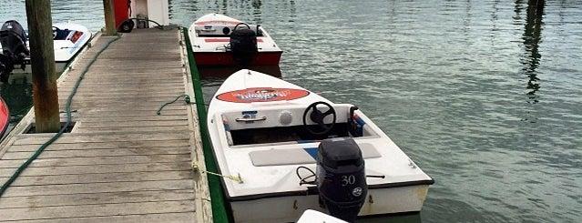 Speed Boat Adventure Tour is one of Visit St. Pete / Clearwater'in Beğendiği Mekanlar.