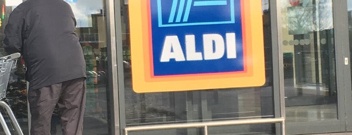Aldi is one of Locais curtidos por Carl.