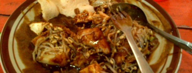 Tipat Tahu Gerenceng is one of Micheenli Guide: Bali food trail.