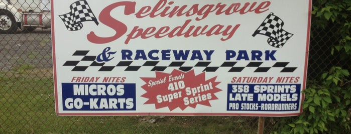 Selinsgrove Speedway is one of Locais curtidos por Edward.