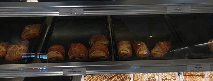 Alpine Bakery is one of Locais curtidos por Jennifer.