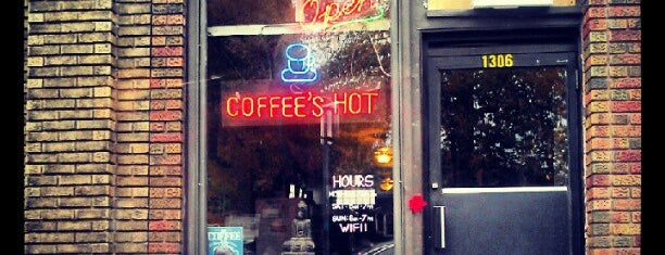 Matchbox Coffee Shop is one of Lieux sauvegardés par Lorena.