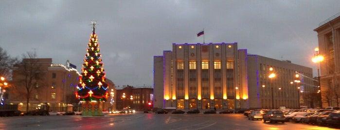 Площадь Пролетарской Диктатуры is one of Lugares favoritos de Egor.