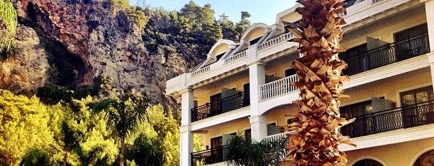 Vertia Luxury Resort is one of TAYFUN💉'ın Beğendiği Mekanlar.