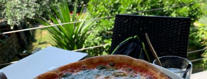 Food and Sea is one of Posti che sono piaciuti a Cesar.