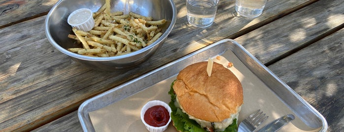 Hopdoddy Burger Bar is one of Friday Lunches.