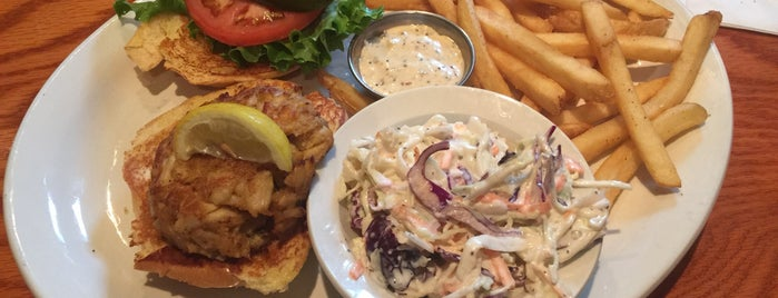 Glory Days Grill is one of Lugares favoritos de Brandon.
