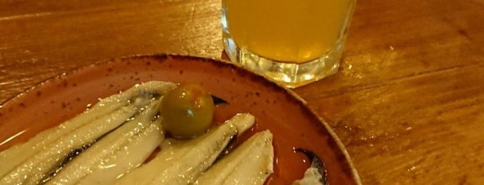 La Menuda - Craft Beer & Crazy Food is one of Oriolさんの保存済みスポット.