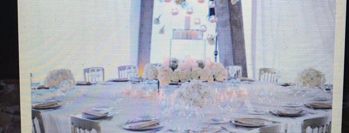 La Sevillana Banquetes y Eventos is one of Limbo.