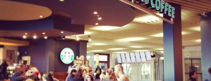 Starbucks is one of Orte, die Yuri gefallen.