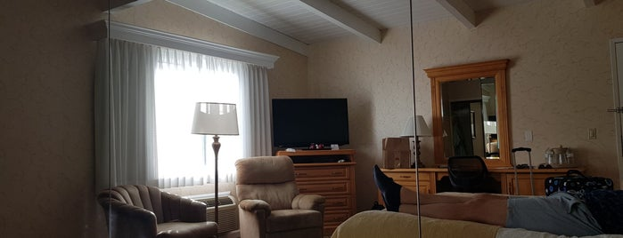 Best Western Plus Encina Inn & Suites is one of Califórnia.