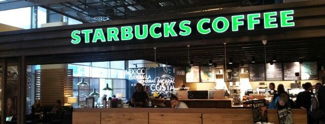 Starbucks is one of Lugares favoritos de Sean.
