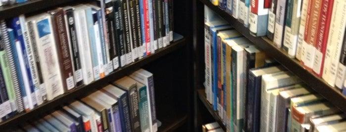 Biblioteca Centrum is one of Nilo'nun Beğendiği Mekanlar.