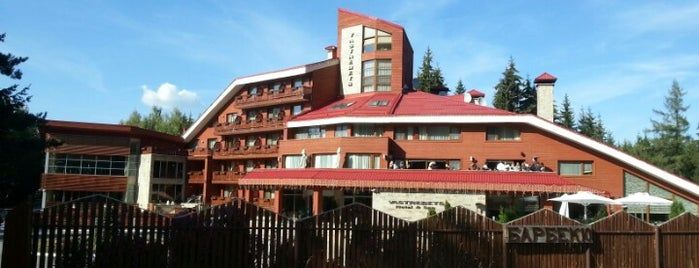 Хотел Ястребец (Yastrebets Hotel) is one of Tempat yang Disukai Zorata.