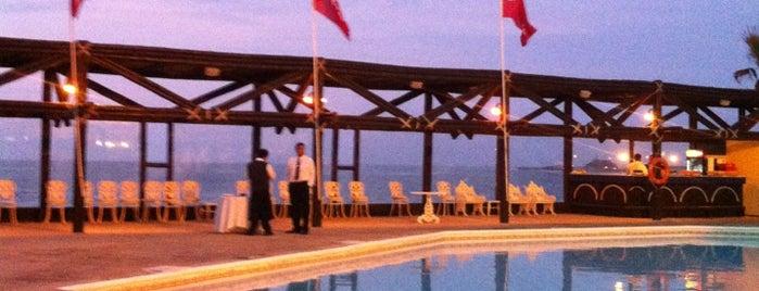 Hotel Arica is one of Locais curtidos por Hernan.