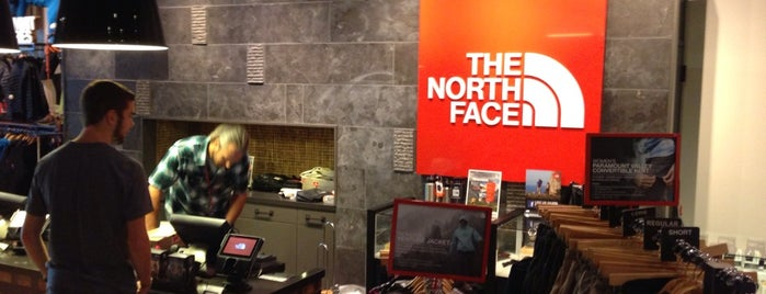 The North Face The Fashion Mall at Keystone is one of สถานที่ที่ Jared ถูกใจ.