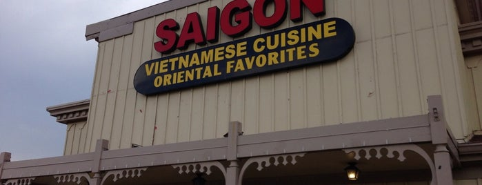 Saigon Restaurant is one of Locais curtidos por David.
