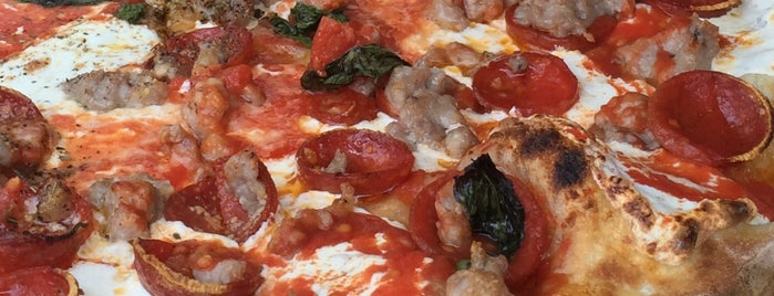 Grimaldi's Pizzeria is one of Eat NYC.