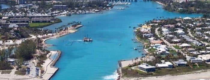 Jupiter Harbour is one of Orte, die Andrew gefallen.