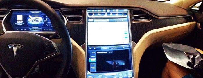 Tesla Motors is one of Orte, die Gil gefallen.