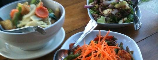 Ayutthaya Thai Restaurant & Bar is one of Snap Krackleさんの保存済みスポット.