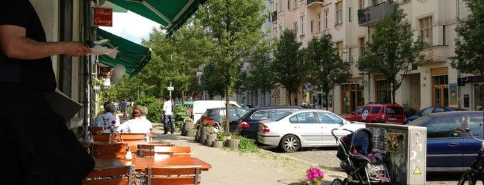 Rosenwasser Café & Waschsalon is one of Posti che sono piaciuti a Jakob.