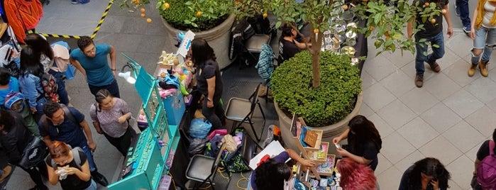 Libre Liebre Bazar Palacio Autonomia is one of Lugares favoritos de Martha.