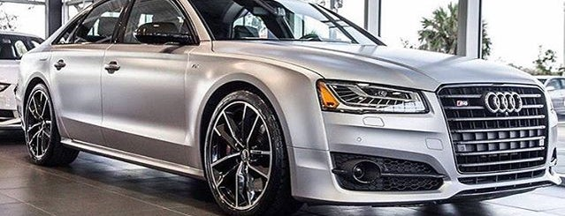 Audi Naples is one of Lieux qui ont plu à Dan.