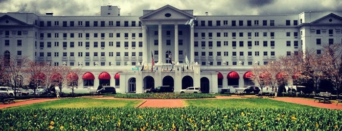 The Greenbrier is one of Orte, die Emily gefallen.