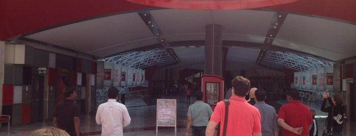 Ferrari World Abu Dhabi is one of Парки развлечений, которые хочу посетить.