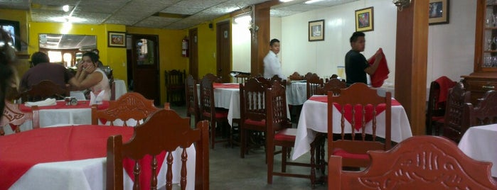 Restaurante Los Ajos is one of lupasさんのお気に入りスポット.