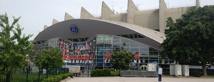 Estádio Parc des Princes is one of Locais salvos de Fabio.