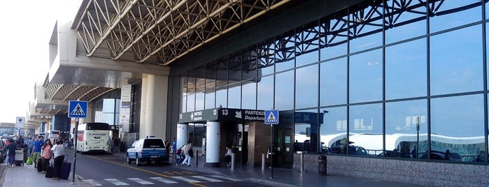 Aeroporto di Milano Malpensa (MXP) is one of Airports I've been to.