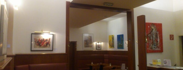 Cafe Standard is one of Vienna's wheelchair accessible restaurants.