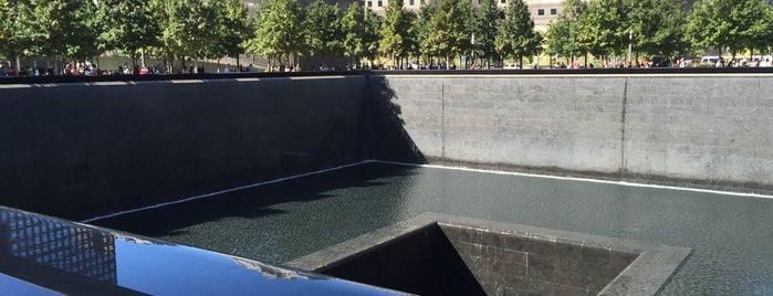 Monumento y Museo del 11 de Septiembre is one of NY2015.