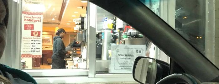 McDonald's is one of Locais curtidos por John.