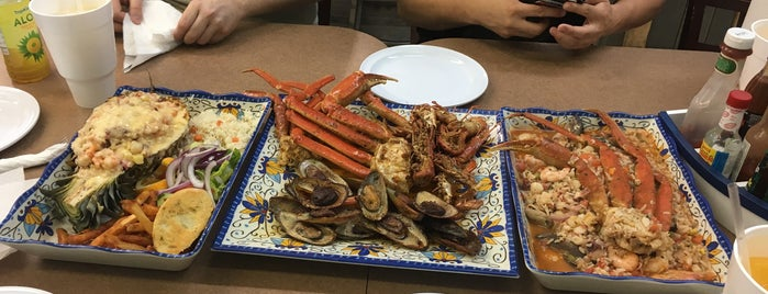 Mariscos El Gato is one of Places to Try.