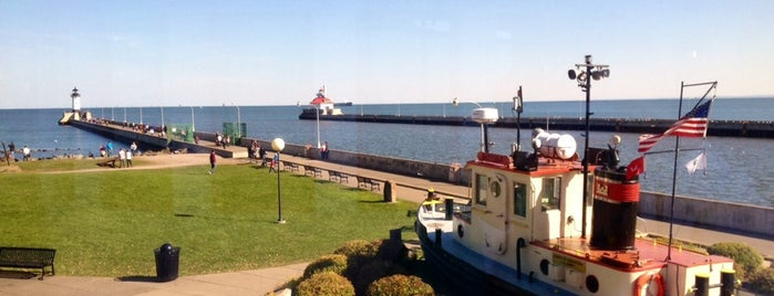 Canal Park. Duluth MN is one of Minnie.