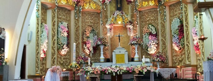 Gereja Katolik Katedral Santa Perawan Maria Dari Gunung Karmel is one of Gereja Katolik & Biara di Indonesia.