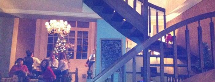 L'Arrêt du Temps is one of Athens Best: Bars.