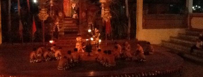 Uma Dewi Kecak & Sanghyang Dance is one of Posti salvati di Silvia.