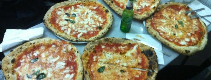 L'Antica Pizzeria da Michele is one of Italia to-do🇮🇹🍝🍕.