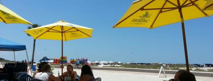 Bazzie's Beach Bar is one of Tempat yang Disimpan Brandon.