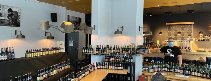 Beerlovers Bar is one of Antwerp.
