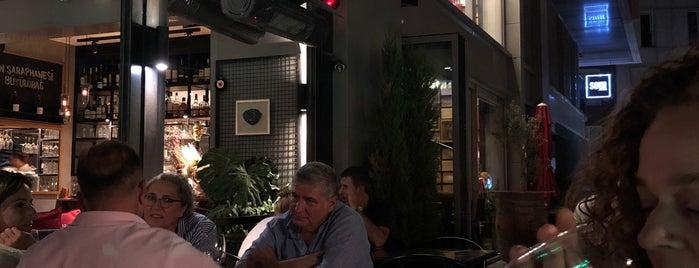 Dekante Bistro Bar is one of Gidilecekler.