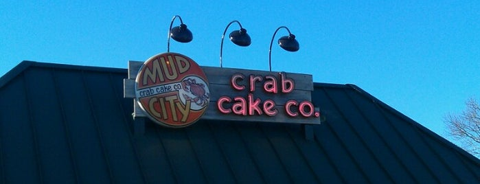 Mud City Crab Cake Co. is one of Lieux sauvegardés par Lizzie.