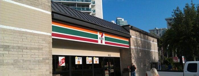 7-Eleven is one of Tempat yang Disukai Eduardo.
