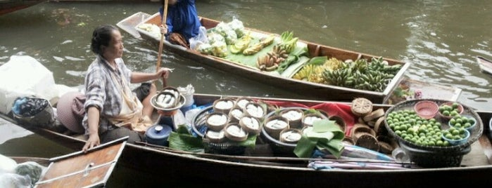 Damnoen Saduak Floating Market is one of Explore Bangkok.