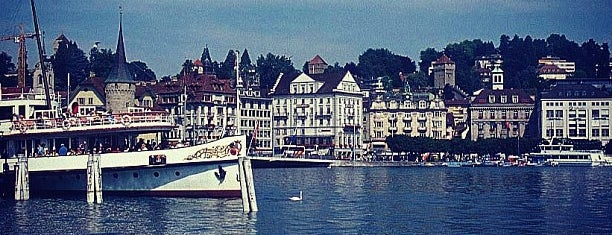 Vierwaldstättersee / Lake Lucerne is one of Lugares donde estuve en el exterior.